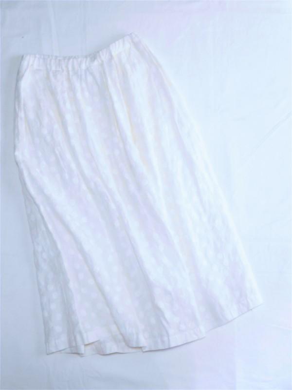 617102 コスモスドットスカート ¥23.000+tax Col.#1オフ白#2ブラック Del.4月