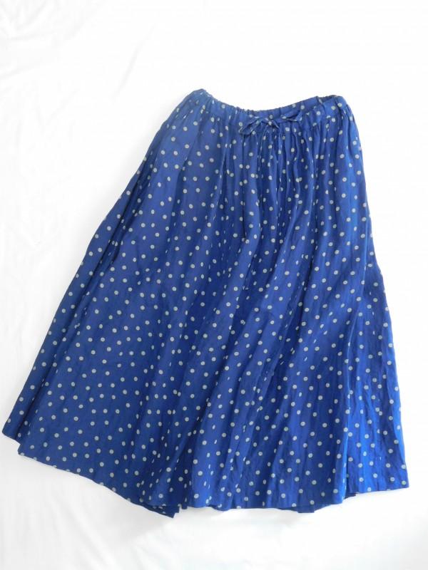 617107 パールドットシャーリースカート ¥24.000+tax Col.#1ブルー#2ブラック Del.4月