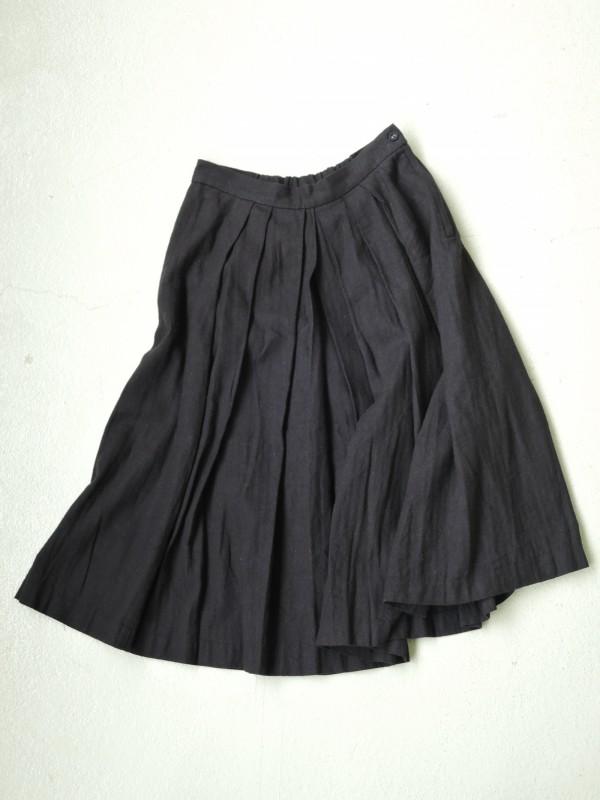 616304 グランデールスカート ¥18.000+tax Col.ブラック Del.10月