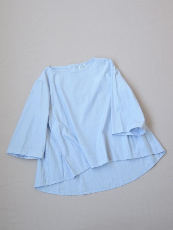 417302 ブルーミングフレアブラウス ¥12.500+tax Col.#1ブルーピンst#2白ベースペンシルst#3紺ベースペンシルst Del.8月