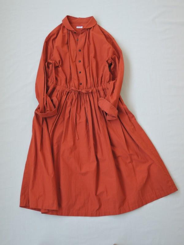 817204 フランソワーズシャツドレス ¥24.000+tax Col.#1キャメル#2ブリックレッド#3ネイビー Del.7月